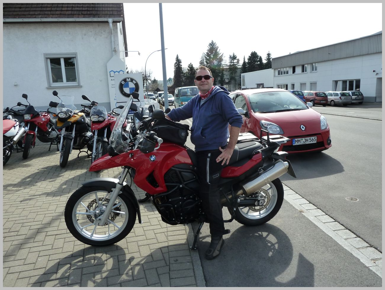2011_Moped001